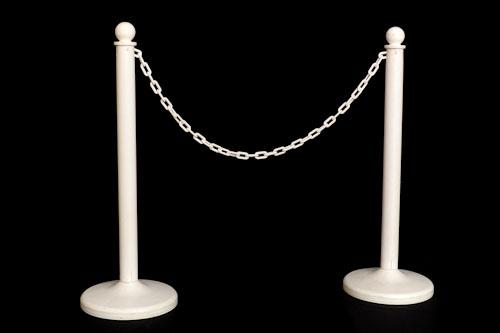 Where to find Stanchions - White Post   10  Chain in Corvallis